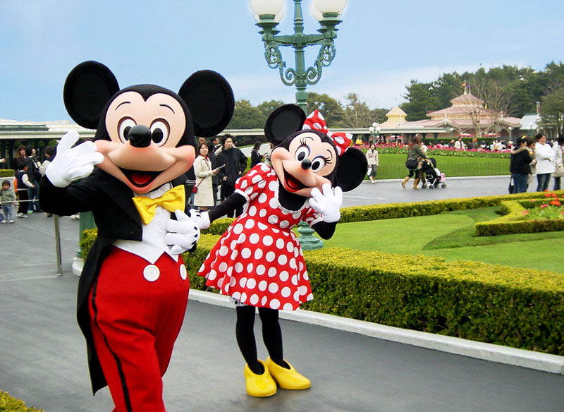 mickey-minnie-disneyland